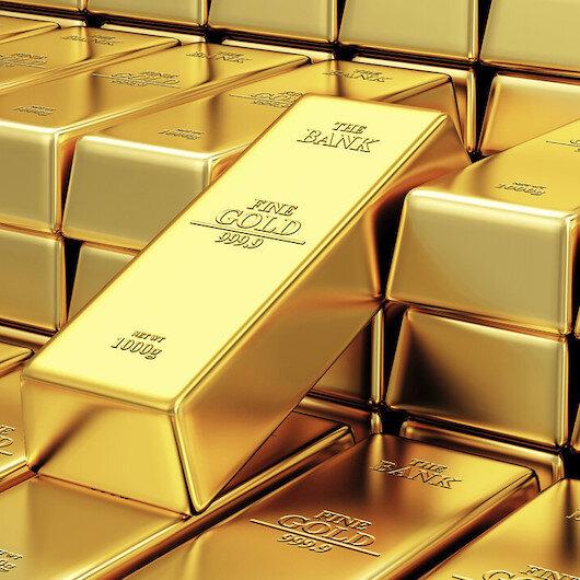 الصناديق المدعومة بالذهب تضيف 877 طنًا لحيازتها في 2020