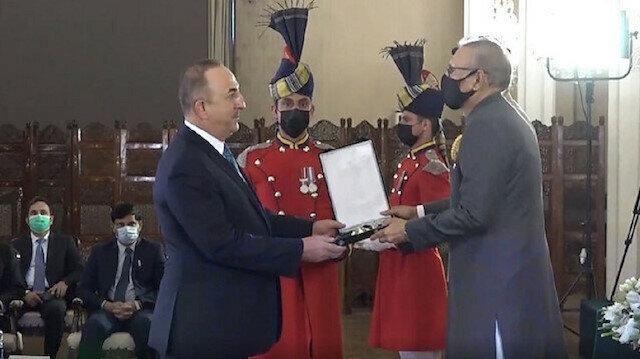 Pakistan gives Turkey's top diplomat high honor