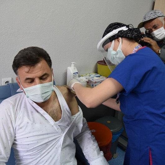 İstanbul'da 110 bin sağlık çalışanı CoronaVac aşısı oldu