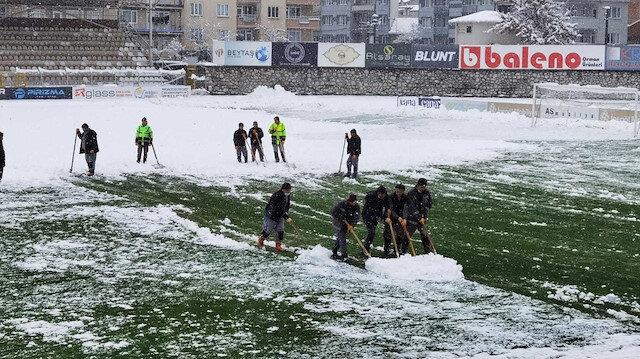 2. Lig maçına <br>kar engeli