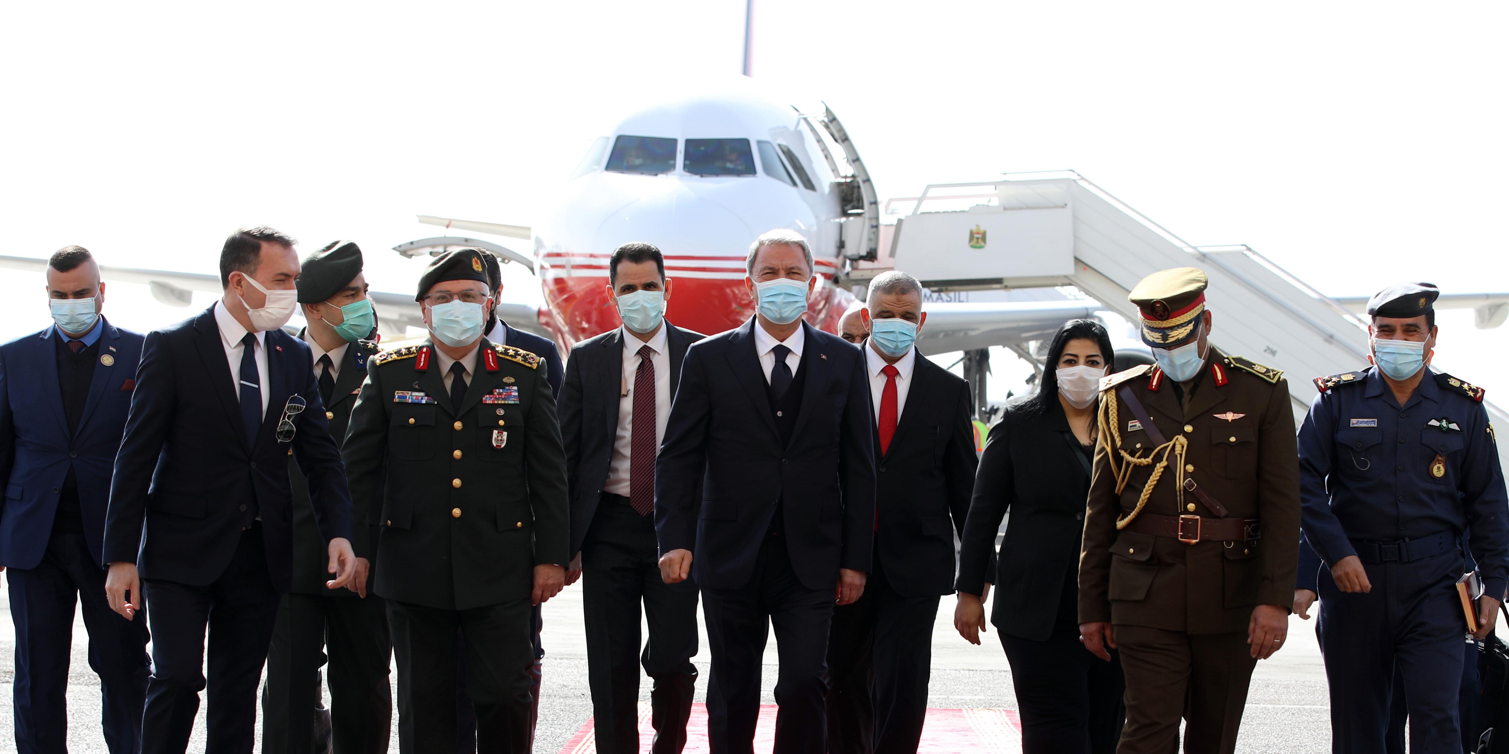 Milli Savunma Bakanı Hulusi Akar, Genelkurmay Başkanı Orgeneral Yaşar Güler ile birlikte Irak'a resmi ziyarette bulundu.