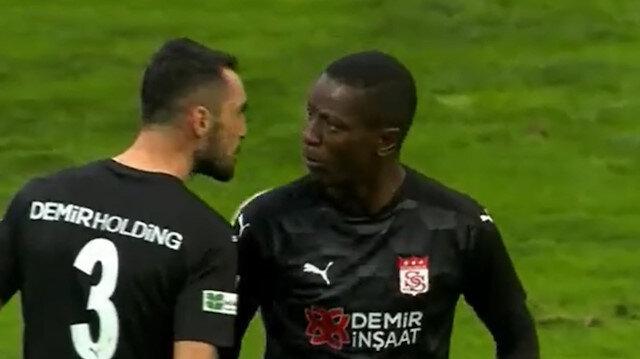 Kasımpaşa kazandı, Sivassporlu iki futbolcu birbirinin üzerine yürüdü