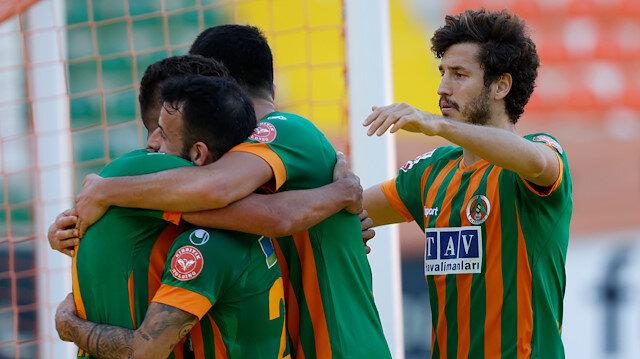 Ertelenen maçta kazanan Aytemiz Alanyaspor