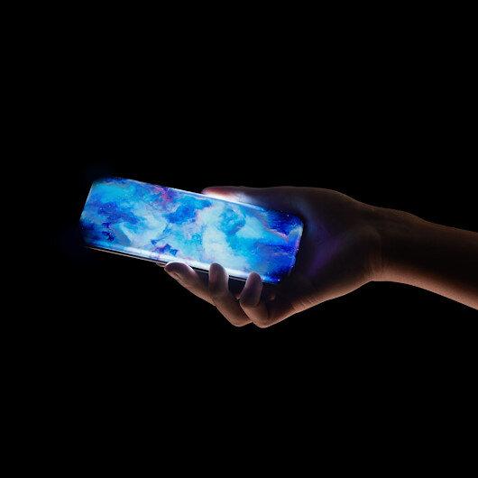 Xiaomi'nin yeni akıllı telefon konseptinde bağlantı arabirimi ya da fiziksel tuş yer almıyor