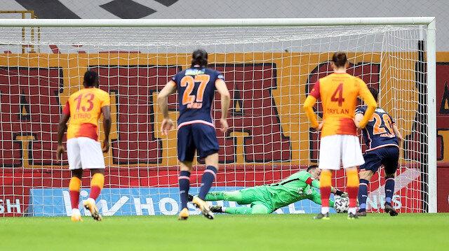 Başakşehir'in yıldızı yine penaltı kaçırdı