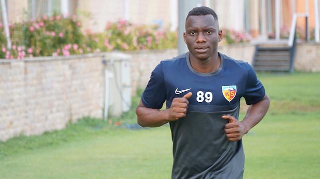 Erzurumsporlu Yaw Ackah eski takımına karşı kırmızı kart gördü: Şike yapmakla suçlandı
