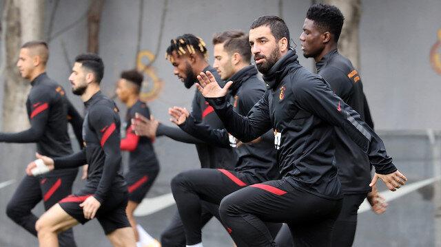 Galatasaray'da sözleşme operasyonu: 2 futbolcuya öncelik verildi