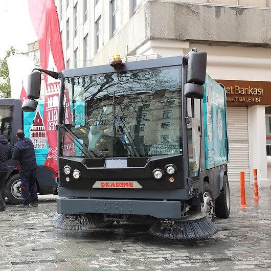 Kademe tarafından üretilen yerli ve milli süpürme araçları Beyoğlu Belediyesi'ne teslim edildi