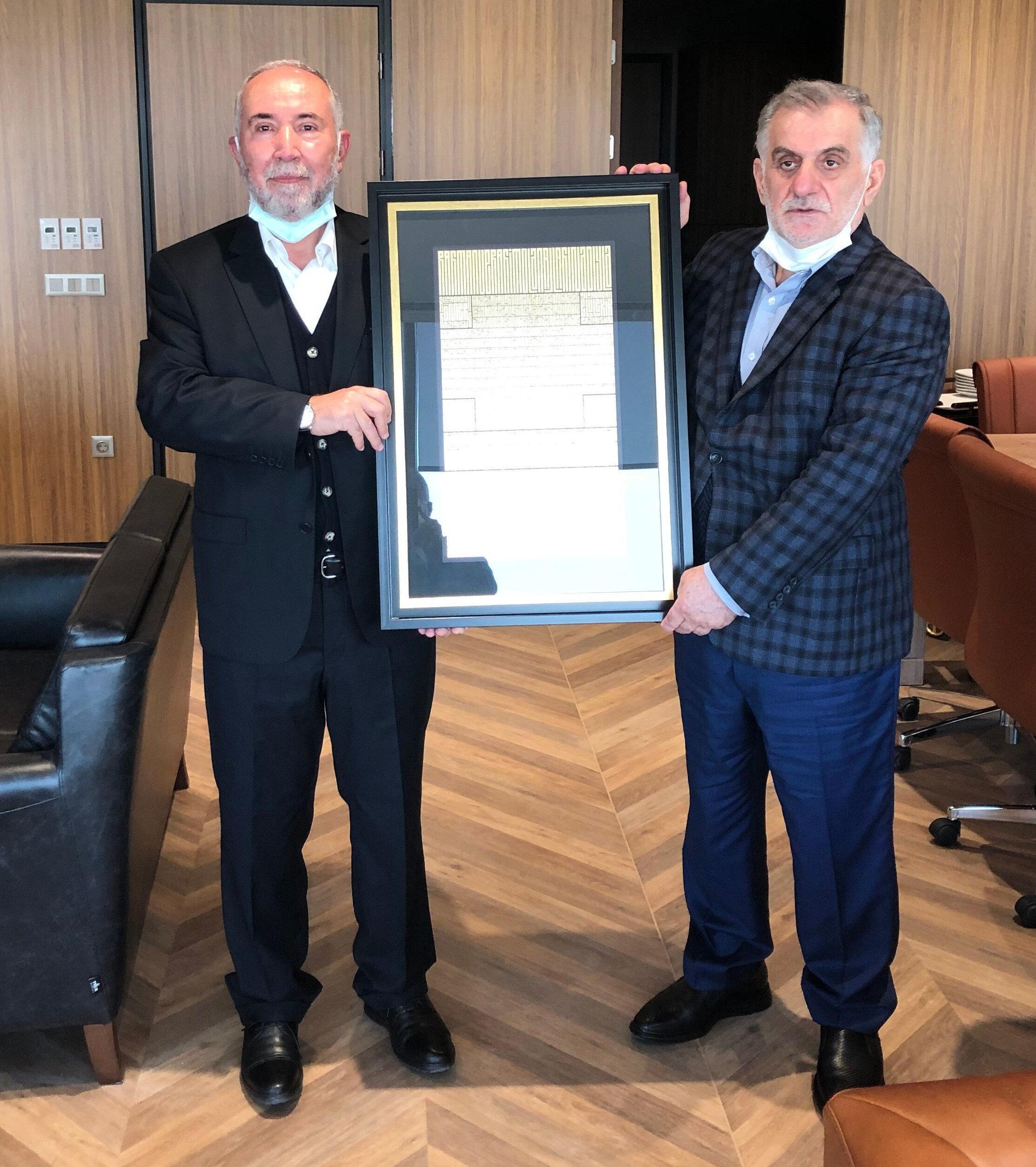 Albayrak Holding Yönetim Kurulu Başkanı Ahmet Albayrak ve Kanal 7 Yönetim Kurulu Başkanı Zekeriya Karaman.