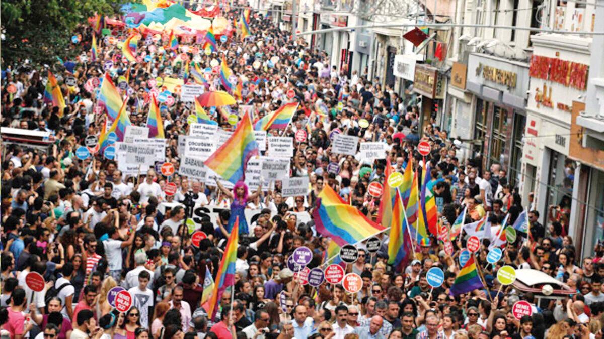 LGBTİ lobisinin Türkiye ayağını yöneten 17 dernek var.
