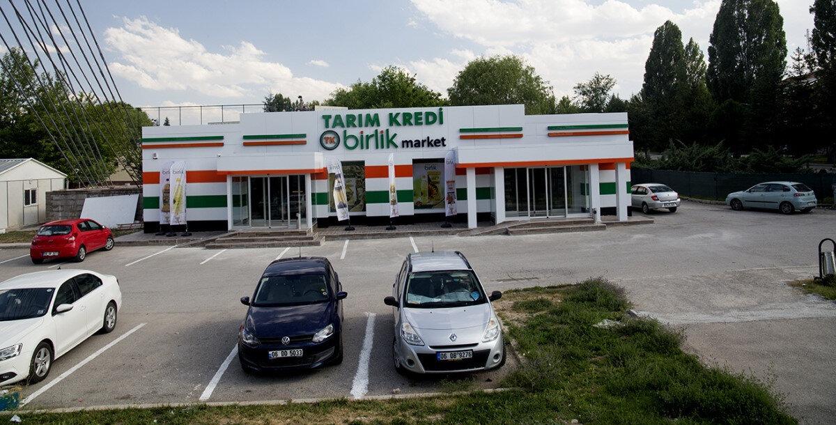 Tarım Kredi Kooperatifleri'ne ait market şubesi.