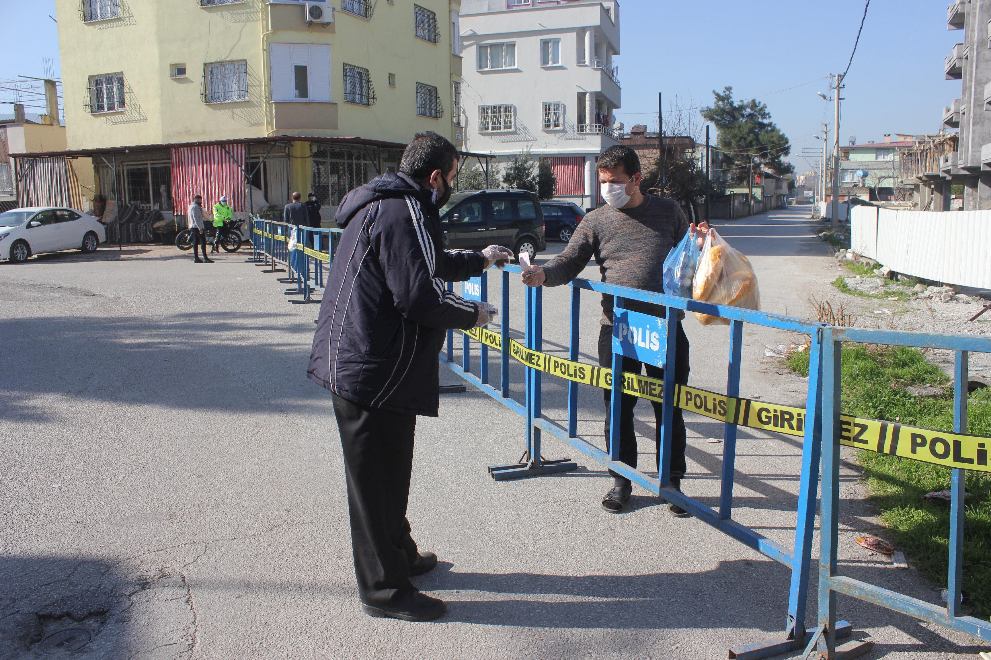 Osmaniye'de bir sokak ve bir apartman karantinaya alındı.