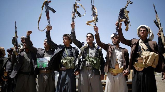 """الحوثي تعلن """"تحرير"""" 18 أسيرًا في تبادل مع قوات الحكومة"""