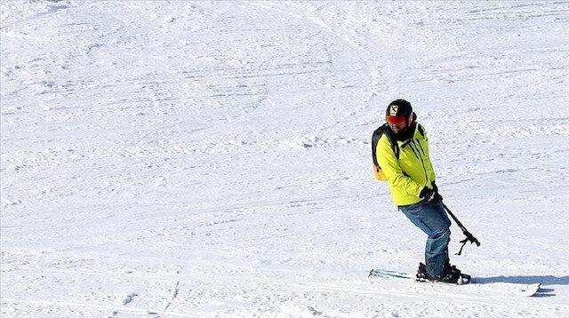 """إقبال كبير على مركز """"إلغاز"""" للتزلج في قسطمونو التركية"""