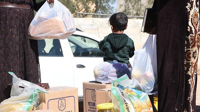 منظمات تركية تقدم مساعدات لـ480 عائلة شمالي سوريا