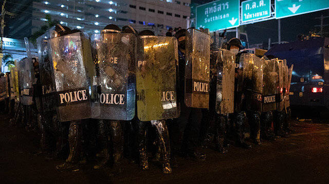 Thai police held 22 protesters after clashes in Bangkok