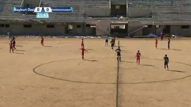 Toprak sahada 2. Lig maçı