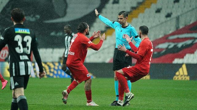 Beşiktaş-Gaziantep FK maçında kural öğreten pozisyon