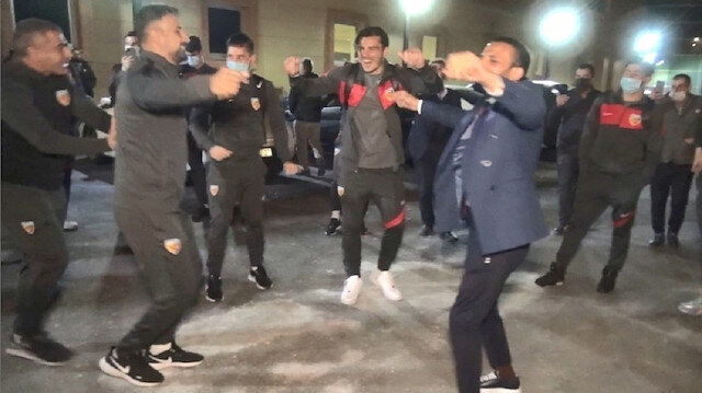 Kayserispor'a davullu zurnalı karşılama