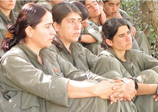 Örgütte militan olarak bulunan birçok kadın, ilk fırsatta örgütten ayrılarak orada yaşadıkları hayatı kâbus olarak nitelendiriyor.
