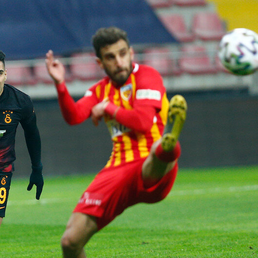 Football: Galatasaray grab comfortable away victory