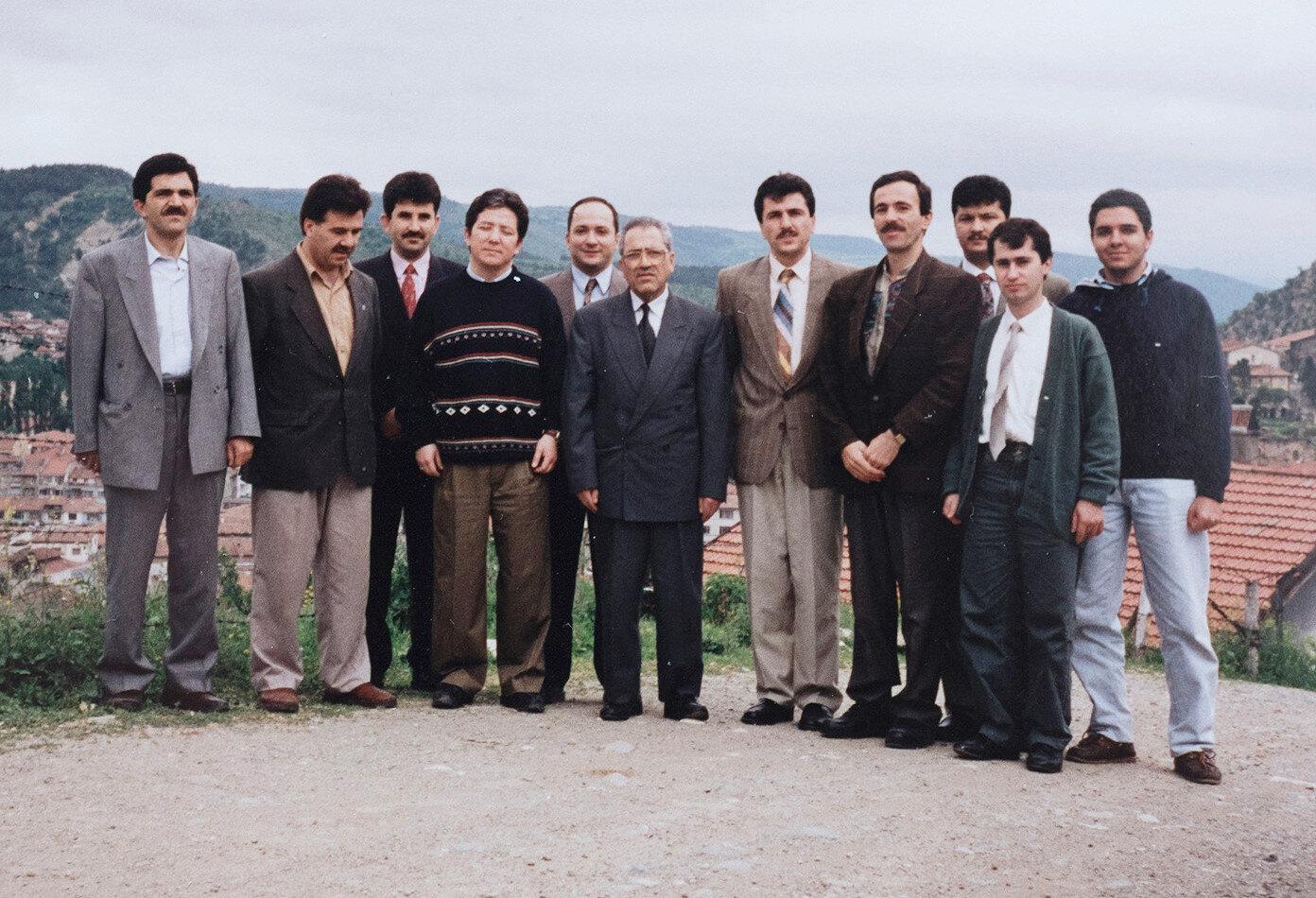 Diriliş Partisi çalışmaları için yapılan ziyaretler sırasında 1993 yılında Kastamonu'da çekilmiş bir kare.