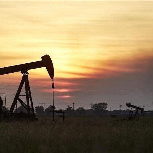 أسعار النفط تصعد بعد خسائر فاقت 2 بالمئة