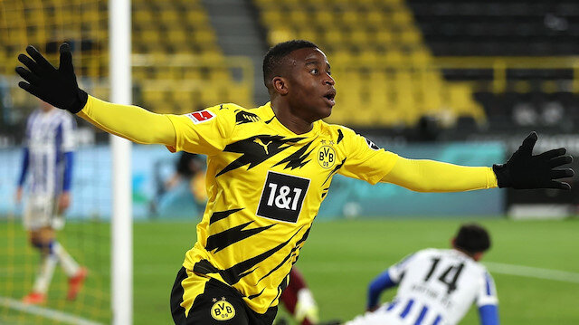 Borussia Dortmund'da Youssoufa Moukoko sezonu kapattı