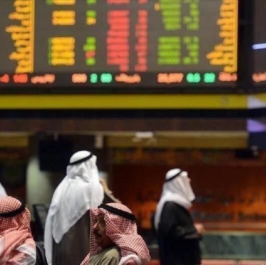 أسهم الخدمات تقود المكاسب في معظم أسواق الخليج