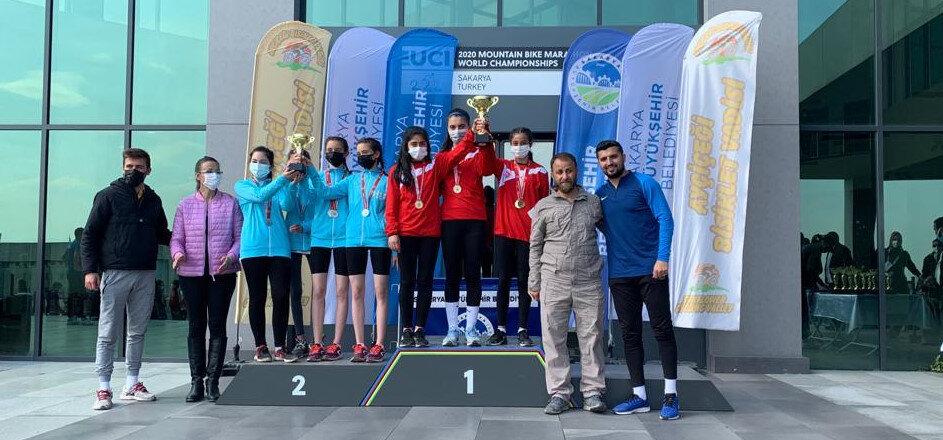 Albayrak Spor 2000 metre kros yarışmalarında şampiyon oldu.