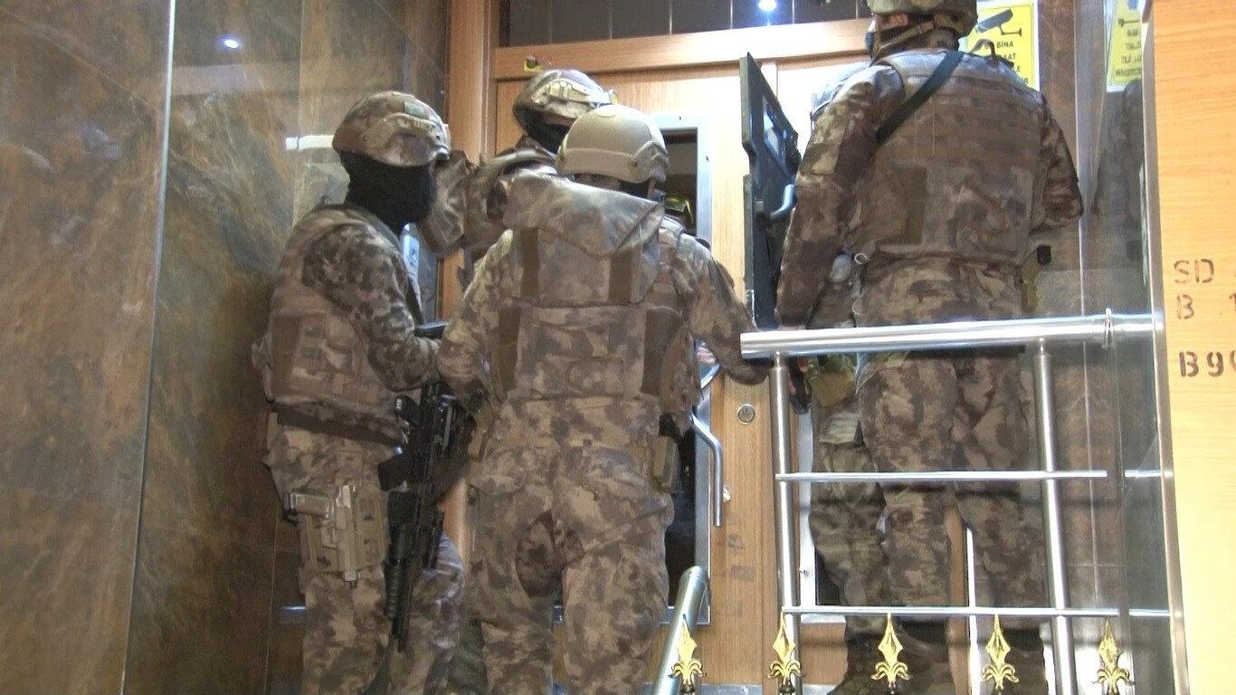 Operasyon kapsamında çok sayıda şüpheli gözaltına alındı.