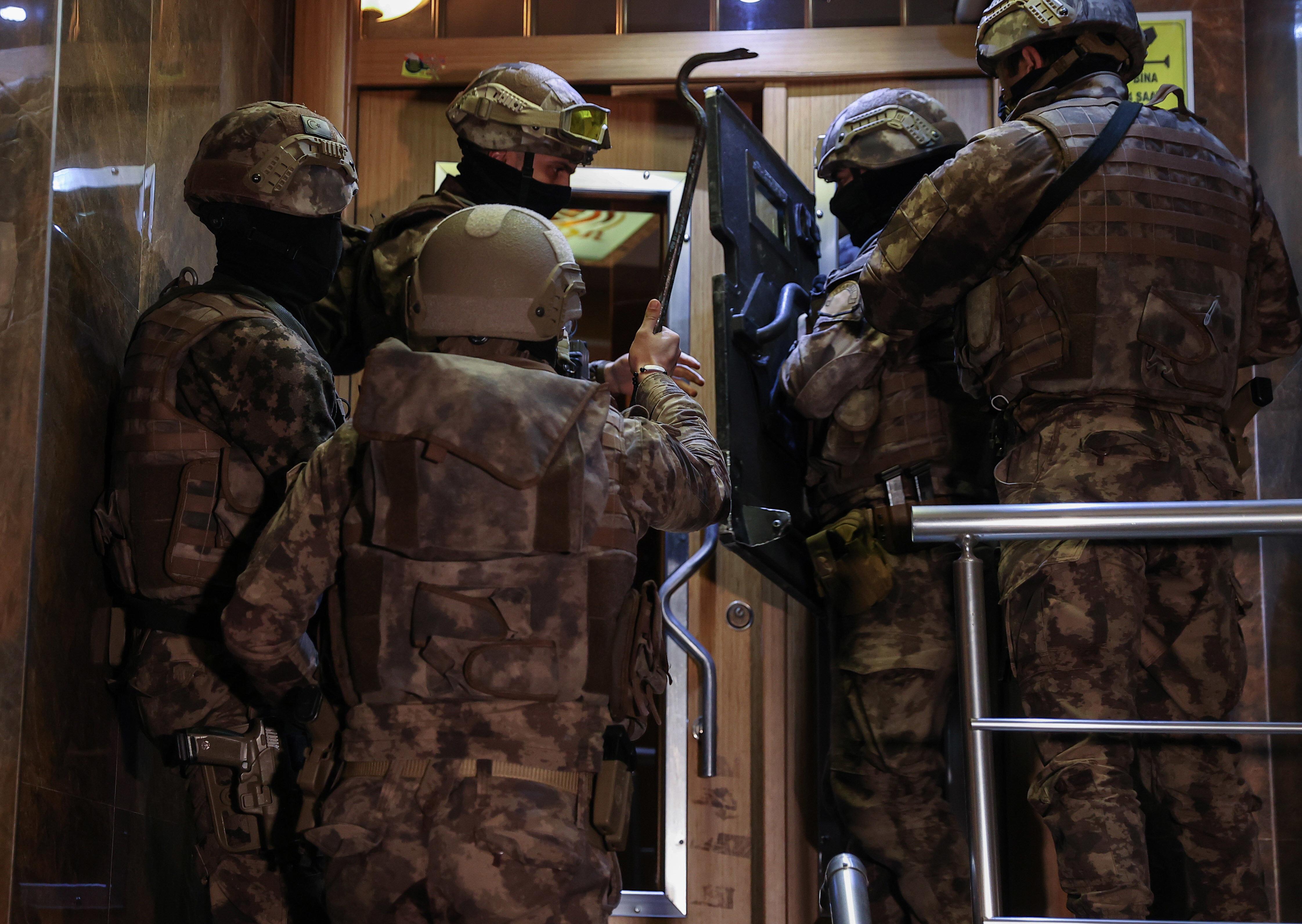 Sedat Peker'in elebaşı olduğu belirtilen organize suç örgütüne yönelik operasyon.