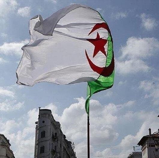 """مثقف جزائري: الحراك الشعبي """"بلا مشروع ولا قيادة"""""""
