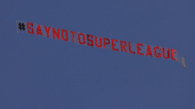 Uçaklı protesto