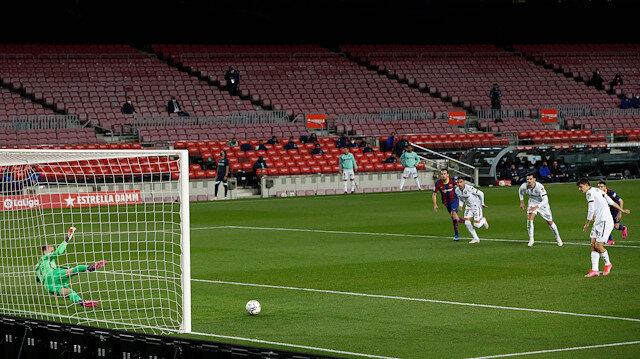 Milli futbolcudan Barcelona'ya gol