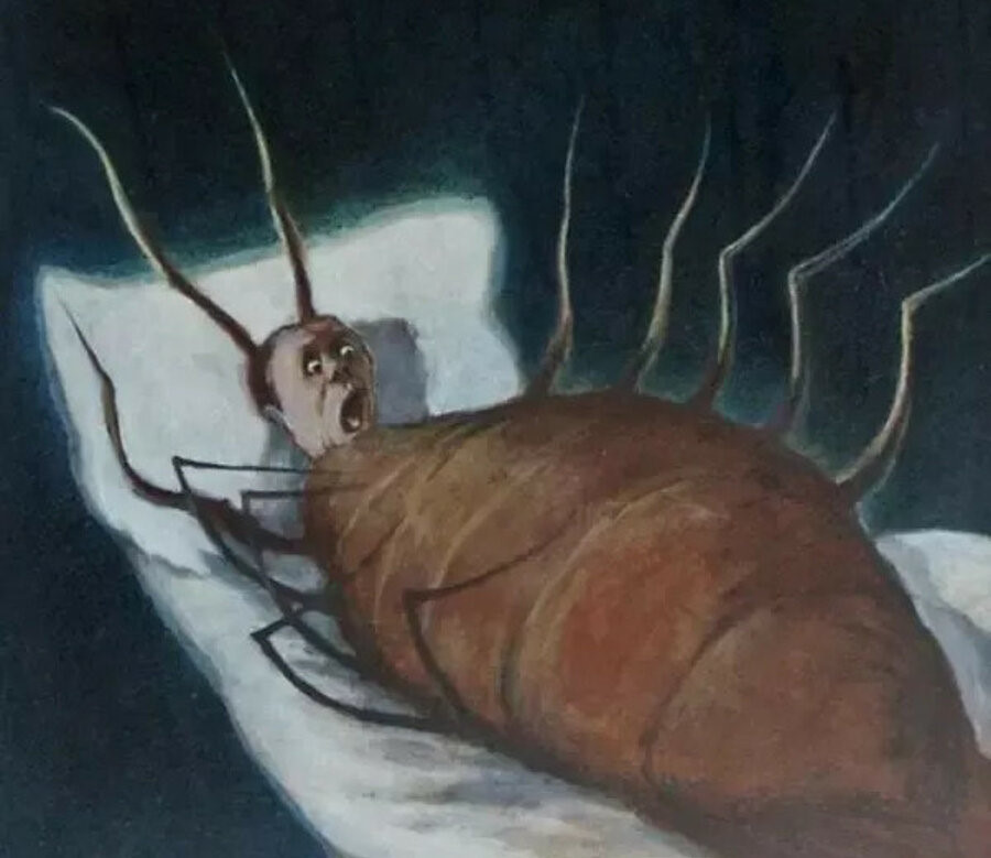 Elma derinden derinden böceğin bedenini kemirmişti.