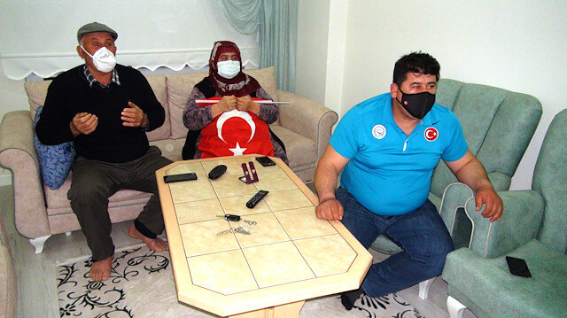 Rıza Kayaalp'in şampiyonluk maçını dualarla takip ettiler