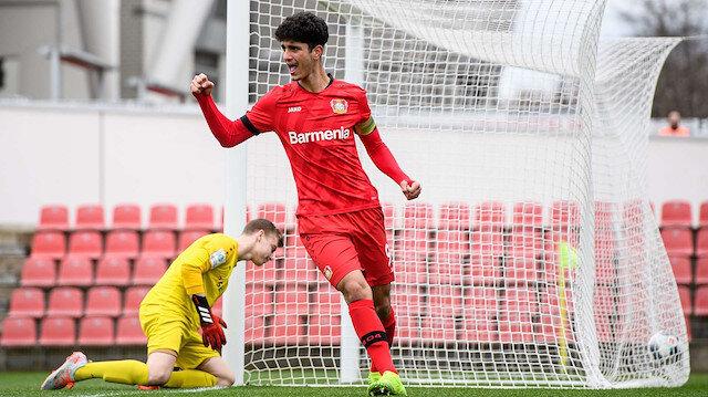 Bayer Leverkusen'den Emrehan Gedikli'ye profesyonel sözleşme