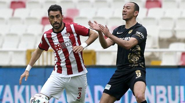 Sivasspor son dakikada kazandı, seri 15'e çıktı