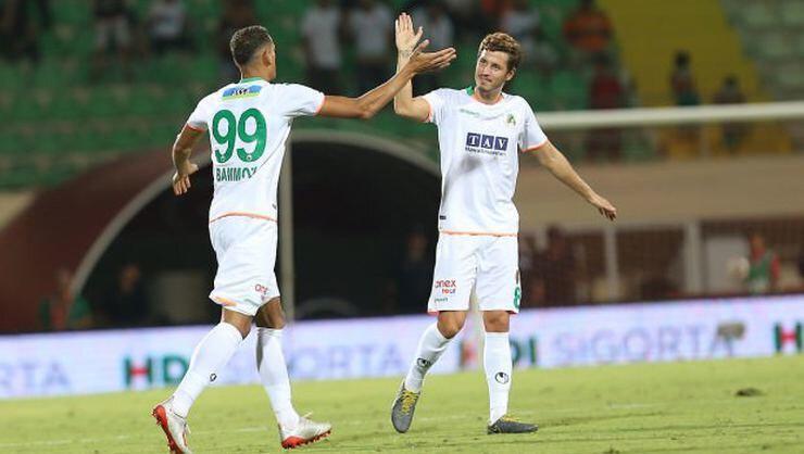 Bu sezon Akdeniz ekibi ile 39 maça çıkan Salih Uçan, 3 gol attı 7 asist yaptı.