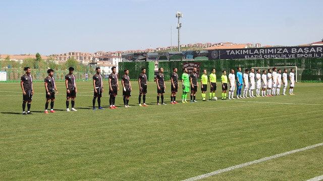 Elazığspor 3. Lig'e düştü, kulübün önüne tabut getirildi