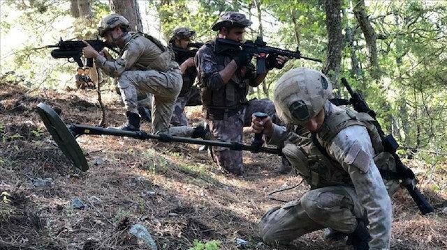 """""""الدفاع التركية"""" تنشر لقطات لمغارة إرهابيي """"بي كا كا"""""""