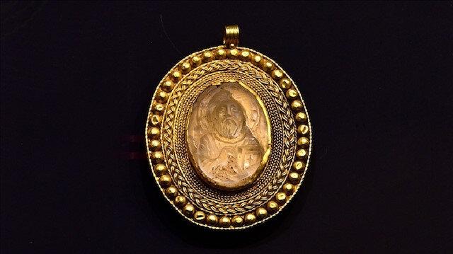 تركيا.. متحف جوروم يعرض قلادة ذهبية فريدة تصور السيد المسيح