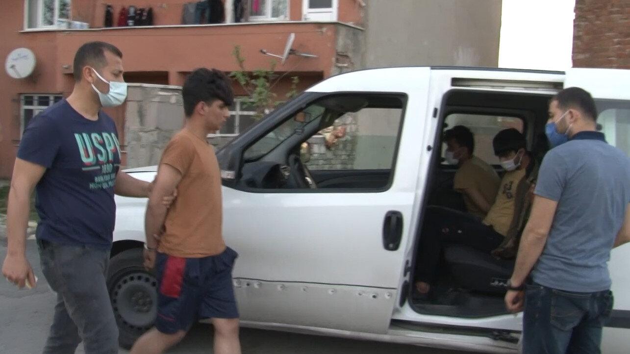 Yabancı uyruklu fidye çetesi, Esenyurt Asayiş Büro Ekiplerinin nefes kesen operasyonuyla çökertildi.