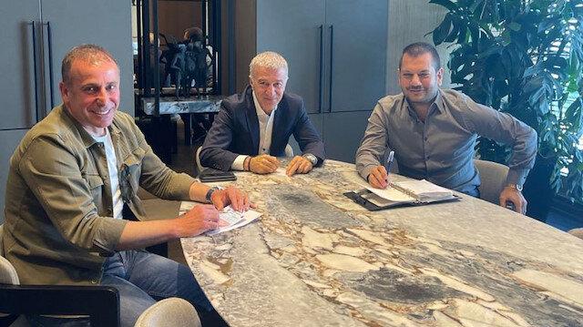 Ahmet Ağaoğlu: Zirveye oynayan takımı kuracağız