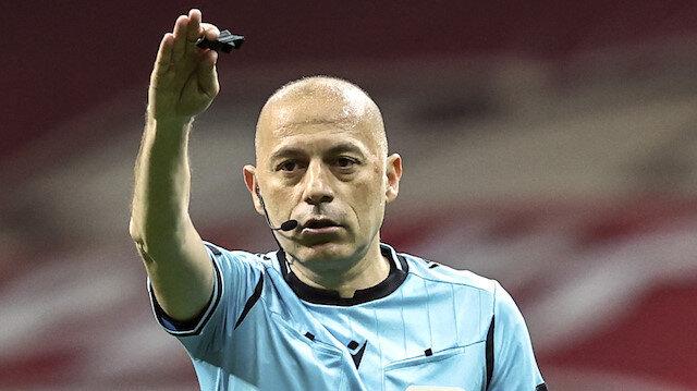 Galatasaray-Beşiktaş derbisinde kritik an: Cüneyt Çakır'ın çaldığı düdük tartışma çıkardı