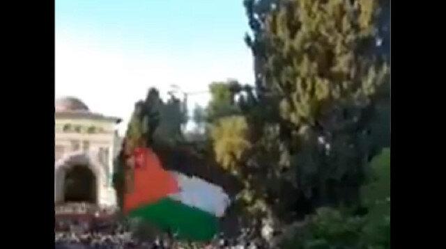 هتافات المتظاهرين في الأقصى: تحية لكتائب عز الدين القسام