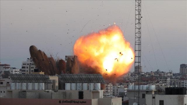 غارات إسرائيلية عنيفة تدمر مجمع أنصار الحكومي غرب غزة
