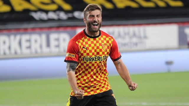 Süper Lig ekiplerinin gözdesi Alpaslan Öztürk Göztepe'den ayrıldı