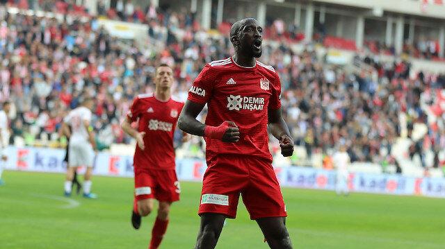 Sivasspor, Mustapha Yatabare ile sözleşme yeniledi